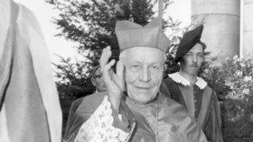 Pražský arcibiskup, primas český a kardinál Josef Beran