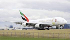 Letadlo Emirates 1. ledna 2018 s podobiznou zakladatele Emirátů přistálo v Praze.