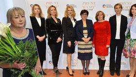 Ženy kandidátů na prezidenta: Zleva Zemanová, Horáčková, Talmanová, Hynková, Drahošová, Fischerová, Bračíková a Hilšerová