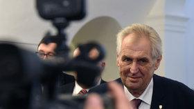 Prezident Miloš Zeman nejprve tvrdil, že bude po Babišovi chtít u druhého pokusu sestavení vlády zajištěnou podporu 101 hlasů. Pak změnil názor.