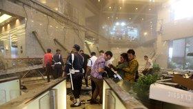 Po pádu na burze v Jakartě je nejméně 75 lidí zraněných