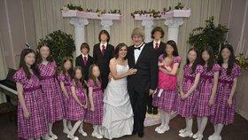 Rodiče věznili 13 sourozenců v domě hrůzy: Byli přivázáni řetězy k postelím