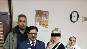 Tereza s představiteli bezpečnostních složek