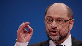 """""""Budeme do posledního dne bojovat za výsledky, s nimiž můžeme s dobrým svědomím předstoupit před naše členy,"""" prohlásil prohlásil Schulz."""