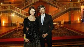 Prezidentská debata ČT: Neúspěšný kandidát Marek Hilšer s manželkou Monikou
