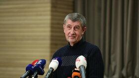 Andrej Babiš komentoval vítězství Miloše Zemana ve 2. kole prezidentských voleb v Sokolovně v Průhonicích.
