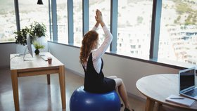 Fitness čtvrthodinka v pracovní době už dokonce bývá organizována zaměstnavatelem