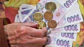 Senioři s nízkým důchodem si nemohou dovolit obědy. (ilustrační foto)