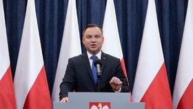 Polský prezident Andrzej Duda dnes oznámil, že podepíše zákon, který hrozí až tříletým vězením za připisování odpovědnosti polskému národu či státu za vyvražďování Židů a další zločiny spáchané za druhé světové války německými nacisty.