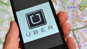 Uber je nejmasovější alternativní taxislužbou