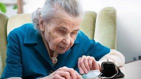 Tisíce seniorů dostávají český důchod v zahraničí. (Ilustrační foto)