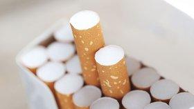 Jako kuřák můžete s cigaretou v ruce strávit i 25 dní ročně
