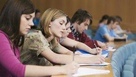 Děti bychom do výběru střední školy neměli nutit. Podle odbornice je nejlepší, pokud si ratolest vybere sama.
