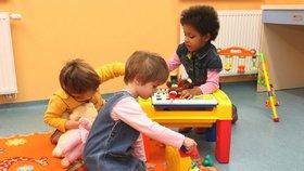 Dáváme dětem jedovaté hračky? (ilustrace)