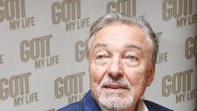 Karla Gotta (78) museli s těžkou chřipkou dovézt do nemocnice: Napojený na kapačkách!