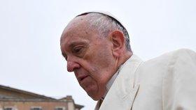 Zneužívání dětí kněžími dělá papeži těžkou hlavu