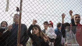 Češi jsou podle průzkumu více otevření přijímání uprchlíků.