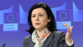 Držet pohromadě v EU je existenční nutnost, varuje Jourová. A má výtku k Česku