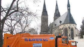 Inzerát zájemce láká na práci, která má smysl, v krásném centru Prahy a náborový příspěvek 50 tisíc korun