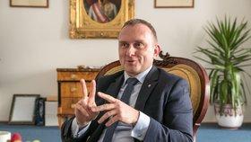 Na inauguraci Miloše Zemana je podle šéfa hradního protokolu Vladimíra Kruliše pozváno asi 700 hostů.