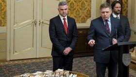 Představitel menší slovenské vládní strany Most-Híd v souvislosti s vraždou novináře Jána Kuciaka a jeho přítelkyně vybídl ministra vnitra Roberta Kaliňáka i policejního prezidenta Tibora Gašpara k rezignaci