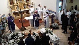 Pohřeb zavražděné Martinky se konal v kostele v Gregorovcích.