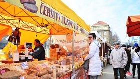 Farmářské trhy zahájily sezonu.