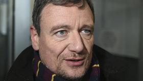 Pražský soud začal po 4 měsících znova projednávat korupční kauzu kolem bývalého středočeského hejtmana Davida Ratha.