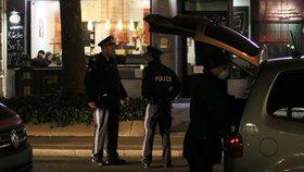 Útočník ve Vídni zřejmě pobodal lidi na dvou místech