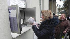 Testovací provoz babyboxu v Blansku obstarala panenka ve velikosti novorozence.