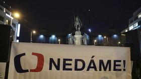 """Protest """"Zemane – ČT nedáme"""" na Václavském náměstí (14. 3. 2018)"""