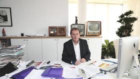 Generální ředitel ČT Petr Dvořák ve své kanceláři