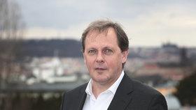 Generální ředitel ČT Petr Dvořák na terase na Kavčích horách