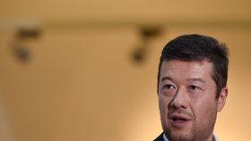 Tomiu Okamurovi (SPD) se nelíbilo, že časopis jej označil za Pitomia. Podle soudu ale jako politik musí být na kritiku připravený