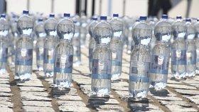Francouzská vláda chce zavést finanční zvýhodnění výrobků prodávaných v recyklovaných obalech. Úspora by mohla činit až desetinu ceny.