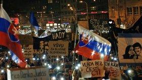 Protivládní demonstrace v Bratislavě měla rekordní účast (16. 3. 2018).