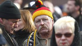 Zdaleka ne všichni Němci s obnovením slučování rodin souhlasí. Proti migraci se protestovalo např. v Chotěbuzi (17. 3. 2018).