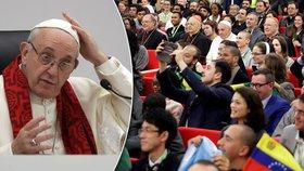 Papež se v Římě setkal s mladými lidmi, chce jim přiblížit církev.