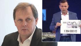 Generální ředitel ČT Petr Dvořák se ohradil proti útokům majitele TV Barrandov Jaromíra Soukupa.