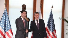 Třetí muž politiky v USA Paul Ryan přicestoval do Česka, na Úřadě vlády se sešel s premiérem v demisi Andrejem Babišem (26. 3. 2018).