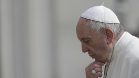 Papež František pověřil svým zastupováním na oslavách v Polsku českého kardinála Dominika Duku