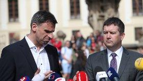 Lídři ČSSD Jiří Zimola a Jan Hamáček po schůzce na Hradě (4. 4. 2018)