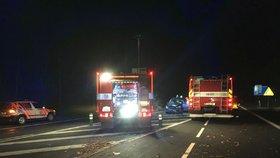 Nehoda tří aut na silnici I/7 za přechodem z D7