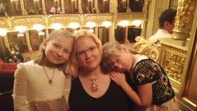 Samoživotelka Lucie (31) z Prahy se svými dcerami