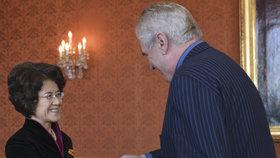 Čínská velvyslankyně Ma Kche-čching s prezidentem Milošem Zemanem