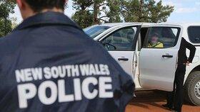 Oficiální policejní fotografie ze zátahu proti incestní rodině Coltových