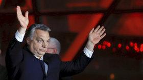 Premiér Viktor Orbán a jeho strana Fidesz oslavila vítězství v maďarských parlamentních volbách
