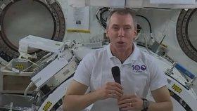 Astronaut Andrew Feustel udělal z Mezinárodní vesmírné stanice rozhovor pro Českou televizi. Svými sympatiemi k Česku se netajil