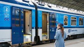 Ministr dopravy Dan Ťok (za ANO) v pátek prostřednictvím řídícího výboru odvolal z devítičlenné dozorčí rady Českých drah jejího předsedu Milana Ferance (ANO) a další čtyři členy