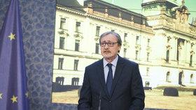 Ministr zahraničí v demisi Martin Stropnický (ANO) je v nemocnici. Má zablokovanou krční páteř, absolvuje léčbu a rehabilitaci